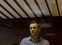 A saját orvosai kérik Navalnijt, hogy fejezze be az éhségsztrájkot