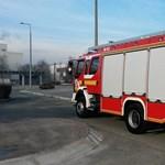 Két leégett fabódéban is holttestet találtak a tűzoltók az éjjel