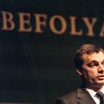 Kiradíroznák Orbán Viktort a 8.-os tankönyvből