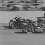 Zseniális retró videó: ilyen volt a világ legőrültebb motorversenye