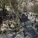 Fotók: megnyílt az átalakított Erzsébet tér