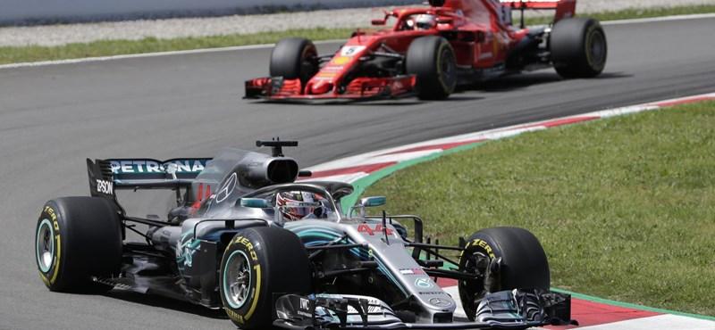F1: Hamilton Vettel elé került, de bukta az első rajthelyet
