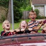 Terror-elhárítás: hogyan kössük le a gyerekeket utazás közben?