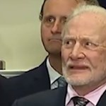 Buzz Aldrin arcát elnézve, inkább megismételné a Holdra szállást, mint hogy Trumpot hallgassa