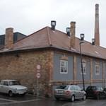 Éppen a Zsolnayak maradhatnak részvény nélkül a Zsolnay-gyárban