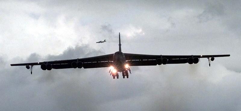 B–52-eseket küldött Katarba Amerika