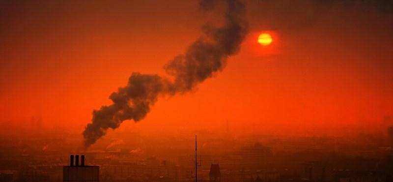 A texasi fagyok miatt rengeteg káros anyagot engedtek a levegőbe