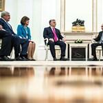 Kreml-közeli emberek vehettek magyar letelepedési kötvényeket