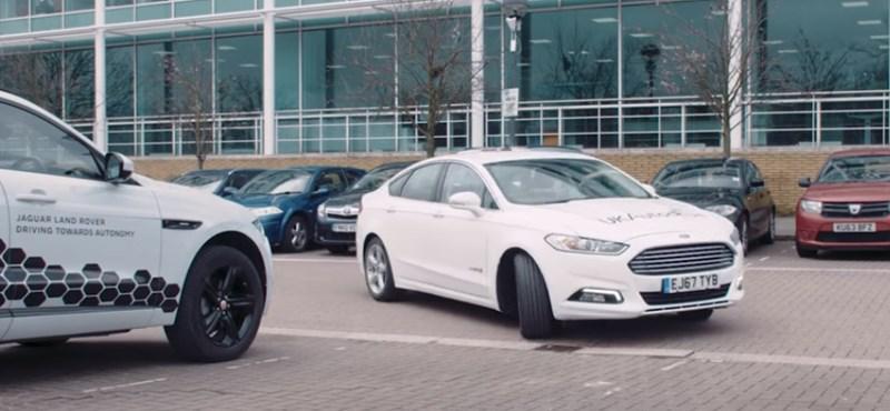 Évente egy napot töltünk parkolóhely-kereséssel, a Ford most egy új ötlettel rukkolt elő