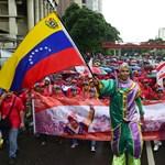 Egymillió százalékos infláció jöhet, öt nullát vágtak Venezuelában a bolivarból