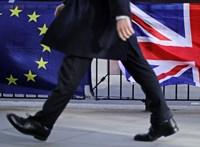 A királynő sem állította meg a Brexitet, jövő pénteken kilépnek a britek