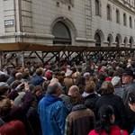 Új Színház - tüntetés: legyen Orbán-musical és Hoffmann-kabaré