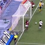 Videó: két méterről lőtt óriási kapufát a Flamengo csatára