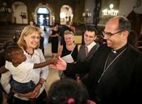 Székely János püspök: Méltányos volna a családi pótlék emelése