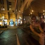 Mozgó szauna köröz Budapest utcáin