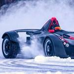 Hóban és jégen driftelt a Budapesten szuperautót tört milliárdos