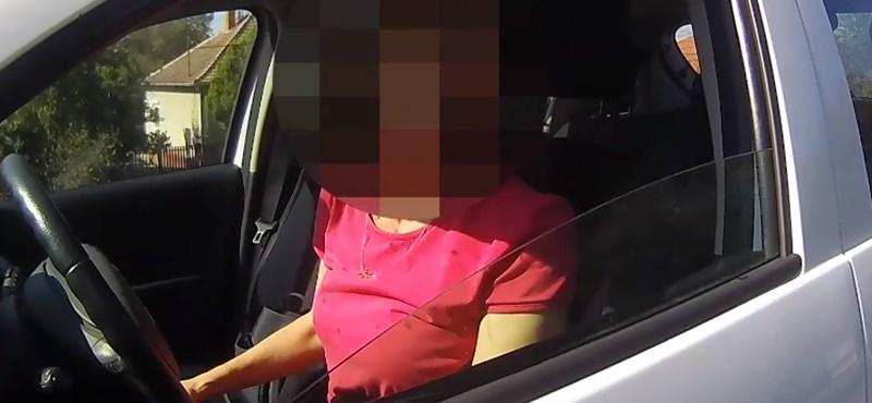 Egymás után kapták ki a rendőrök a biztonsági övet nem használó autósokat – videó