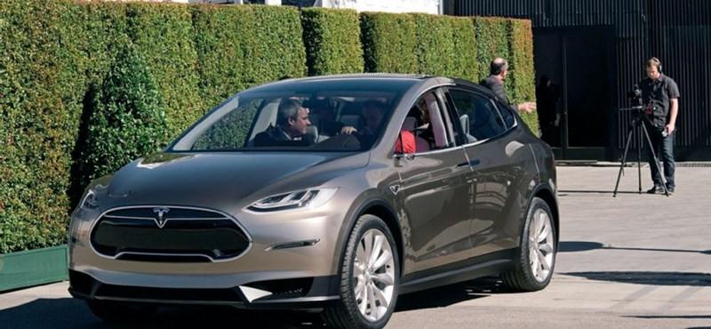 A Tesla jönne, de Szijjártóék nem tesznek érte semmit