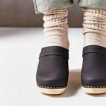 Letartóztatták a híres japán lábnyalogató szatírt
