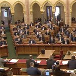 32 törvényt nyomnak át a parlamenten a jövő héten
