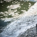 Elolvadt a jég, nem tudtak visszajönni - egy dunai szigetről kellett kimenteni két embert