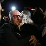 Másfél év raboskodás után engedték ki a megvádolt török újságírókat