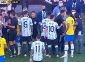 El partido clasificatorio para el Mundial Brasil-Argentina se detuvo en medio de impresionantes escenas