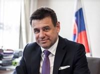 Verekedés után rendőrök vitték el a szlovák környezetvédelmi minisztert
