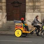 Budapesten is megjelennek a triciklis riksák