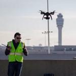 Drón repkedett a világ legforgalmasabb repülőterén, és nem véletlenül