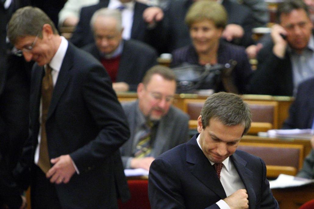 Bajnai Gordon április 20-án letette esküjét a Parlamentben.