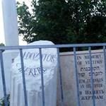 Akkor most mi is a gond a Szabadság téri emlékmű felirataival?