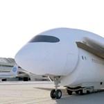 Zseniális ötlet a repülőgép, ami a leszállás után vonatként működik tovább – videó