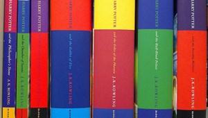 Pont fedezi a diákhitel-tartozást: milliókért kel el egy különleges Harry Potter kötet