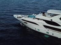 Hatmilliárd forintért árulják a luxusjachtot, amin Mészáros Lőrinc is utazott