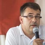 Schiffer András képviseli a Klauzál téren letepert Vajnai Attilát