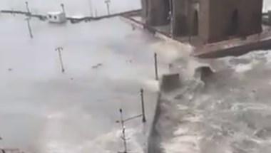 A Tauktae ciklon felborított egy indiai hajót, eltűnt több mint 120 utas