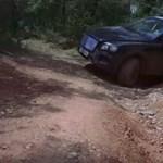 Videó: Így nyúzzák terepen a Bentley Bentaygát