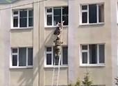 Iskolánál lövöldöztek Kazanyban, több diák és egy tanár is meghalt