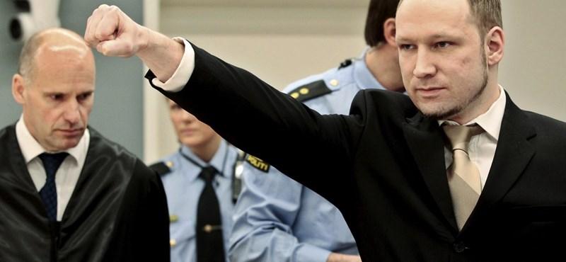 77 embert mészárolt le, de felvették az oslói egyetemre Breiviket