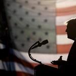 Eddig nem látott felvételeket mutattak be a Capitolium ostromáról a Trump elleni impeachment-eljáráson