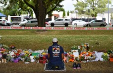 Hivatalos: terrorizmussal vádolják a christchurchi lövöldözőt