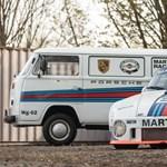 Párosan szép az élet: menő martinis Porsche mellé egy remek VW kisbusz