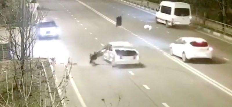 Ha ezt a videót megnézi, többé nem autózik bekötött biztonsági öv nélkül