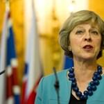 A lengyelekhez szólva a magyaroknak is üzent a brit kormányfő