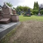 Videó: fémért rongálják a sírokat Ózdon