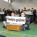 Döntöttek: 16 szakon nem lesz ingyenes képzés