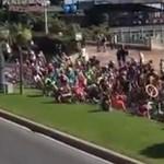 Videó: Tömeges bukás volt a Giro d'Italián