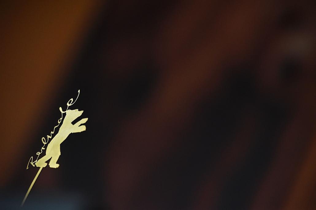 afp. 66. Berlini Nemzetközi Filmfesztiválon, Berlinale 2016 - The Berlinale logo is pictured ahead a press conference at the 66th Berlinale Film Festival in Berlin on February 13, 2016.