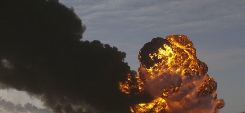 Videó az olajszállító vonat felrobbanásáról